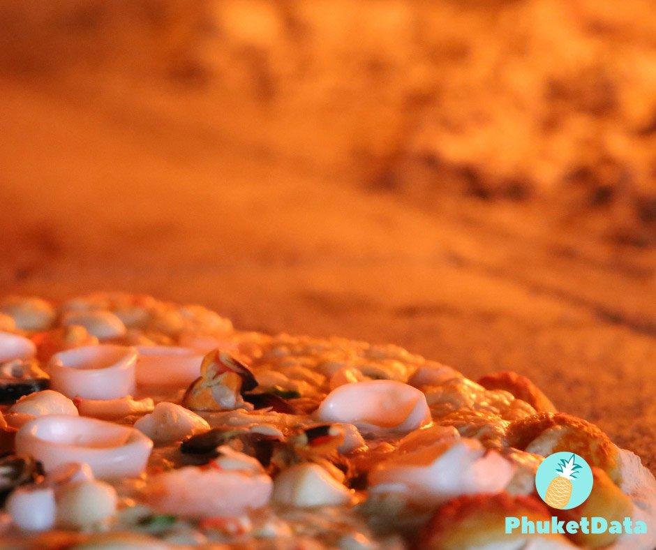 Beach Front Pizza at La Fiamma, Karon Nui Beach